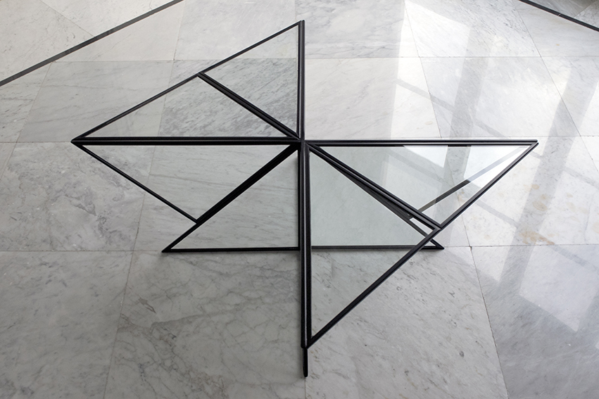 Coffee Table | Glass | Steel | Triangles | Transparency